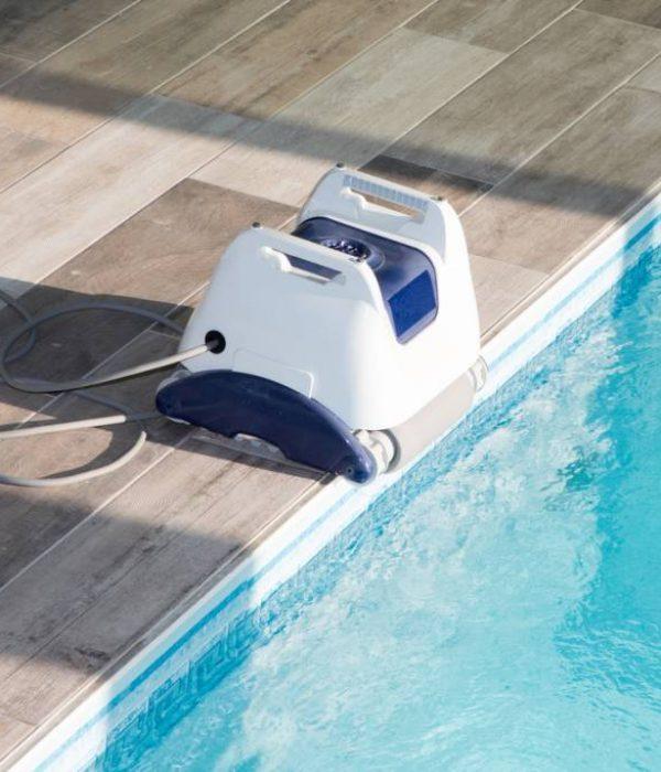photo la propreté de votre piscine