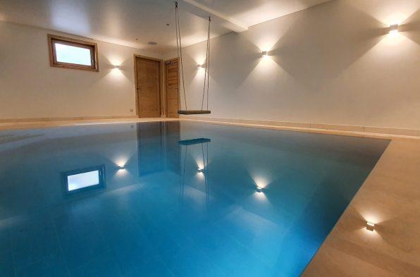 photo piscine intérieure